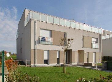 immohub, votre partenaire dans l'immobilier à Dippach, vous propose en location ce magnifique Duplex sis dans une petite résidence à seulement deux unités. A quelques minutes de Luxembourg-Ville, de Mamer et d'Esch-sur-Alzette, cet appartement deux chambres à coucher, jardin à l'arrière de la résidence et un emplacement intérieur, peut faire le bonheur d'une petite famille.  Le Duplex faisant 105 m2 de surface habitable (sans compter les terrasses et balcons) se compose comme suit:  1er étage: -Hall d'entrée -WC séparé -Grand living lumineux 27,5 m2 -Balcon 5.6 m2 -Cuisine équipée indépendante 12,35 m2 -Salle de douche 5,5 m2 -Chambre I 13 m2  2ième étage: -Chambre parentale (avec dressing et accès au deux balcons) 22 m2 -Salle de bain avec WC, baignoire et douche 7m2 -Grand balcon avec pergola 20 m2 -Grand balcon 20 m2  Le bien se complète par une cave privative, un emplacement intérieur au sous-sol ainsi qu'un emplacement extérieur pour une voiture.  Disponibilité: Décembre Visites: Sur demande  Pour de plus amples renseignements, veuillez nous contacter par e-mail. info@immohub.lu