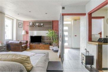 Veuillez contacter Philippe Mélard pour de plus amples informations : - T : +352 661 405 446 - E : philippe.melard@remax.lu  (En exclusivité) RE/MAX, Spécialiste de l'immobilier à Esch-sur-Alzette, vous propose cette maison de ville de 120 m² habitables.   C'est dans une rue calme et paisible de la commune d'Esch-sur-Alzette que nous vous invitons à venir découvrir cette maison datant de 1925 disposant de 2 emplacements de parking privatifs donnant accès à un garage pour 2 voitures.  Au rez-de-chaussée, vous découvrirez un espace de plus de 42 m² habitables comprenant un hall d'entrée donnant sur la pièce de vie et sur la cuisine équipée (ouverte sur le séjour). À ce niveau, vous disposerez également d'un WC ainsi que d'un espace à aménager en studio, salle de jeux, bureau ou atelier.  Au 1er étage : - 1 chambre de 12 m² - 1 chambre de 16 m² - 1 salle de bain   Au 2ème étage : - 2 chambres de 10 m² - 1 salon/salle de jeux  Vous disposerez aussi d'un sous-sol complet avec cave et buanderie.  Frais d'agence RE/MAX + TVA à la charge de la partie venderesse.  Toute offre sera soumise à l'acceptation expresse des vendeurs.
