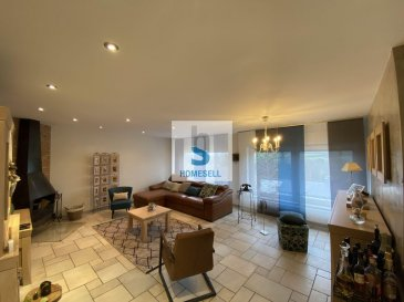 Maison isolée de 200 m2 dont 130 habitables libre des 4 côtés avec jardin et garage d?une contenance de 5a 54ca située dans une rue calme à Ettelbruck.   La maison est composée comme suit:  Rez-de-chaussée : hall d'entrée, bureau, chaufferie et garage. 1er étage : WC séparé, cuisine ouverte sur le salon/salle à manger, accès à une grande terrasse et à un jardin plat et clôturé. 2ème étage : hall de nuit, trois chambres, salle de bain avec baignoire et douche.  Divers : Alarme, parlophone/caméras.  Possibilité d?augmenter la surface d?habitation de  /-70 m2 dans les combles ou bien de faire une habitation à part car il y a un accès séparé, donc objet intéressant pour investissement locatif. Située dans un endroit central. Facilité pour les transports publics.  Ref agence :150