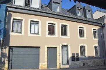 L'agence IMMO LORENA de Pétange a choisi pour vous un appartement avec DEUX chambres u REZ DE CHAUSSEE de 86 m2 plus Terrasse , inséré dans une petite copropriété de 4 unités, situé à Grevenmacher, à proximité des commerces, transports en commun et toutes commodités, il se compose comme suit:  - Hall d'entrée de 7,77 m2 -Cuisine de 10 m2 ouverte vers le double living de 19 m2 donnant accès à la terrasse de 17 m2 -       Grande chambre de 20 m2  -       Salle de bain de douche de 7 m2 avec coin buanderie - WC séparé de 3 m2   TOTAL M2 : 86 m2 HABITABLES  Caractéristiques de l'appartement : -L'appartement se trouve dans une petite résidence de 4 unités   -Double vitrage -Tous les volets sont électriques -       Chaudière installée en 2017 -L'appartement dispose d'une cave privative -L'appartement se trouve à proximité de toutes commodités (centre-ville, zone piétonne, commerces) -L'appartement dispose également d'un emplacement extérieur privatif.   A VOIR ABSOLUMENT!!!!  Pour tout contact: Joanna RICKAL: 621 36 56 40 Vitor Pires: 691 761 110   L'agence ImmoLorena est à votre disposition pour toutes vos recherches ainsi que pour vos transactions LOCATIONS ET VENTES au Luxembourg, en France et en Belgique. Nous sommes également ouverts les samedis de 10h à 19h sans interruption.