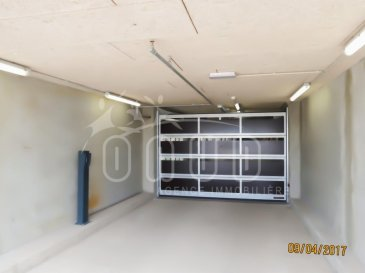 ONUD SA vous présente à Belval Plaza, cet emplacement de parking sous-terrain (avec badge électronique) résidence GALIELO (résidence étudiante ) , <br>disponible de suite.<br><br>Contrat minimum 3 mois. <br><br><br><br />Ref agence :5532726
