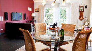 MONIA SOUILMI ( 691 21 29 46 ) et REMAX à WORMELDANGE, vous présentent en exclusivité en vente ce bien d\'exception, un Penthouse haute de gamme avec une vue époustouflante sur la Moselle.<br>Ce Bien est situé dans une résidence de deux unités, construite en 2005, sise sur 6.88 ares, et qui fait 196.38m² habitables environs.<br>Le bien se compose comme suit:<br>Rez-de-chaussée: <br>garage à l\'intérieur et 2 emplacements à extérieurs, cave privative de 35.56m², pièce chaufferie et un jardin privatif de 130.40m²<br>Deuxième étage:<br>Hall d\'entrée, living-salle à manger très spacieuse et lumineuse avec de grandes baies vitrés donnant accès sur une terrasse avec vue sur la moselle, une cuisine équipée séparée, moderne et de haut de gamme, 5 chambres à coucher (18m², 14m² et 16m²) dont une suite parentale(30m²) avec dressing, accès sur une terrasse de (10m²) et une salle de bains avec douche et baignoire, une deuxième salle de bain avec douche à l\'italienne, Un WC séparé, Une buanderie et un débarras.<br>Un Grenier d\'une surface de (98.48 m)² , non aménageable .<br>Les équipements techniques:<br>Doubles vitrages PVC avec voltes électriques<br>Dalles en béton<br>Chauffage au sol (Mazout)<br>Façade isolée<br>Antenne SAT,<br>Deux vidiophonies,<br>Carrelage à l\'italienne couvre la totalité du sol......... <br><br>A VOIR ABSOLUMENT !!!!!<br> <br />Ref agence :5095939