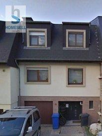 Homesell vous propose à la location une maison d\'une superficie de 123m² se composant comme suit:<br><br>-  3 chambres à coucher <br>-  cuisine équipée ouverte sur le salon/séjour <br>-  salle de douche <br>-  grenier avec accès par escalier escamotable<br><br>Idéal pour profession libérale  ( autorisé par la commune)<br><br>- Chauffage au mazout<br>- pas de garage (emplacements publiques juste en face <br>  de la maison)<br>- pas de jardin<br><br>Loyer: 2.000€ / Charges: 200€ (eau chaude + chauffage) <br>Caution: 2 mois de loyer ( payable en forme de virement ou garantie bancaire)<br>Commission d\'agence: 2.000€ htva<br><br>Disponibilité:  1. novembre 2021<br><br>Les visites se feront sur base des dossiers.<br><br>Pour plus de renseignements veuillez nous contacter par mail: info@homesell.lu<br><br>HOMESELL Immo<br>