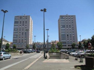Description Thionville place Turenne 2 box en sous-sol  Centre-ville, au sous-sol nous vous proposons un box de stationnement, sécurisé et équipée d'une porte motorisée mais également d'un accès piéton. Proposé à 9 200 ' (le box) Non soumis au DPE Les honoraires sont à la charge du vendeur  A propos de la copropriété : Charges prévisionnelles annuelles : 163.50 '  Pour investisseur location 65 ' mensuel Rentabilité 8.40 %   AGORA THIONVILLE 03 82 54 77 77