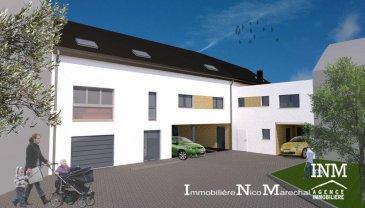 Joli Appartement-Duplex (Lots 005+016) d\'une surface habitable de +/- 110 m2 (Ecopass: BB) prochainement en construction dans un ensemble de 4 unités de logements offrant au:<br>rdch: hall d\'entrée, wc séparé, cuisine non équipée ouverte sur grand séjour/salle à manger lumineux (de +/- 31 m2) donnant accès à un jardin privatif (de +/- 43 m2),<br>1er étage: hall de nuit, 3 chambres à coucher  dont 1 avec salle de bains privative, 2e salle de bains.<br>Combles: grenier de 65 m2, salle technique<br>Car-port privé pour 2 voitures<br>Situation intéressante à 5 minutes d\'Ettelbruck et 20 min de Luxembourg-Kirchberg.<br>GARANTIES DECENNALES<br>Le prix affiché s\'entend HTVA sur la part constructions à réaliser.<br />Ref agence :882455