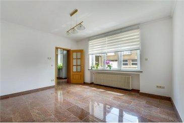 Maison 4 chambres RE/MAX spécialiste de l'immobilier à Mondorf-les-Bains vous propose cette maison de ville  /- 105m².  Idéalement située, au coeur de la cité thermale, proche de toutes les commodités, cette maison vous propose :  Au rez-de-chaussée :  - le salon - la cuisine séparée de  /- 13m²  Au premier étage et deuxième étage des configurations identiques :  - deux chambres de 11m² et 13m² - une salle de bain  Cette maison est équipée en double vitrage, de volets électriques et dispose de combles ainsi que d'une cave.  - Ce bien ne dispose pas de jardin ni de garage -  N'hésitez pas à nous contacter pour tout complément d'informations ou convenir d'une visite.