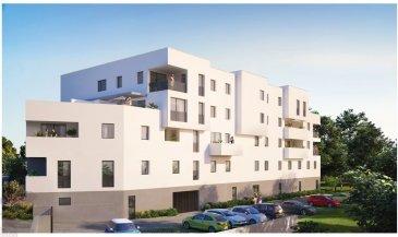 Appartement de 4 pièces composé d'une entrée avec placard, un grand séjour avec une cuisine ouverte, de deux chambres et un cellier. Une salle de douche avec un meuble vasque de 6,23m2 Un espace bureau ou une chambre de 11,08m2 Une terrasse de 36,09m2 Deux garage allotés pour le prix de 40.000€ Possibilité d'en prendre qu'un seul pour le prix de 20.000€