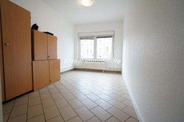 Appartement 82 m² à Petange  3 Chambres  Prévoir l'installation d'une cuisine et salle de bain.  Appartement au rez de chaussée.  Pour plus d'informations   Alexandre 27621235 Ref agence :4679996