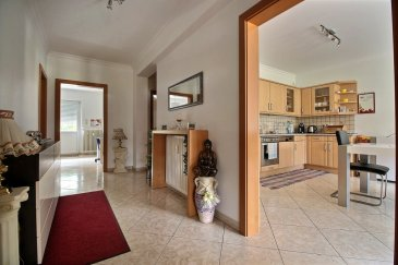 RE/MAX spécialiste de l'immobilier à Bascharage vous propose un magnifique appartement de 89 m2, grand hall d'entrée, cuis. équipée, trois chambres, une avec balcon, WC séparé, salle de bains avec douche et baignoire. L'appartement est vendu avec cave et garage.  Bonne localisation: zone commerciale Cactus, etc.....  A visiter sans tarder  Contact: Sonia DA GRACA au 661 45 81 88 ou par mail: sonia.dagraca@remax.lu Ref agence :5095934
