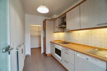 New Keys vous propose à la vente ce bel appartement à la proximité de toute commodité à la ville du Luxembourg   Sur un bail emphytéotique  L'appartement dispose d'une surface de 85m2 et se compose comme suite:  -Hall d'entrée -Salle à manger/séjour  -Cuisine équipée séparée  -3 chambres à coucher(10m2,12m2 et 9m2)   A cet agréable appartement s'ajoute une cave privative    N'hésitez pas à nous contacter au 352 621 647 509 ou par mail ahenriques@newkeys.lu pour plus d'informations et/ou une éventuelle visite.  COVID: Pour votre sécurité, nos visites sont effectuées avec des masques, des gants et limitées à 3 personnes par visite.  Les prix s'entendent frais d'agence inclus dans le prix et payable par le vendeur.  Nous recherchons en permanence pour la vente et pour la location, des appartements, maisons, terrains à bâtir pour notre clientèle déjà existante. N'hésitez pas à nous contacter si vous avez un bien pour la vente ou la location. Estimation gratuite.  Ref agence : 5003461