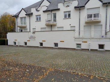 A louer 2 emplacements extérieurs situé à l'arrière d'une résidence à Redange.  Loyer 50€ / mois / emplacement