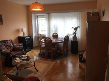 Très bel appartement dans un quartier tranquille à deux pas de toutes commodités. Il se compose de: un hall d'entrée, un séjour/salle à manger, une grande cuisine équipée avec sortie balcon, 2 chambres à coucher et une dalle de douche avec Wc. Dernier étage: un grenier commun Au sous-sol: 1 cave privative et une buanderie commune avec accès à une cour et garage éxterieur.  Pour plus d'informations ou pour visiter le bien, n'hésitez pas à nous contacter.  M. Tinelli tél: 691 241 181 M. Malva tél: 621 323 127
