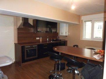 Idéal investisseur ou primo-accédant: Appartement de 76 m² situé au 3ème et dernier étage entièrement rénové en 2009, entrée, dégagement, salon/séjour, cuisine équipée, 2 chambres, w-c séparé, salle de bains (baignoire), buanderie (pièce en face de l'entrée de l'appartement avec fenêtres), AUCUN TRAVAUX ! Taxe foncière: 430€, DVPVC VR. Syndic pro 75€ par mois incluant l'assurance du bâtiment, l'électricité des communs et la consommation d'eau de l'appartement). Pour infos ou visite, appeler Rocco PANETTA au 06 88 56 77 94. Appartement loué par le syndic depuis octobre à 580€ dont 30€ de charges, net pour le bailleur après rémunération du syndic 526€ (hors charges syndic 75€ mensuel).