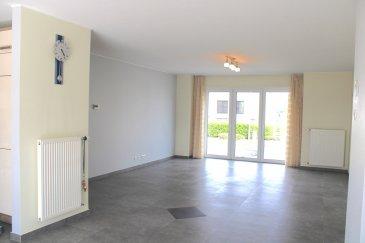!!!!!!!!!! A VISITER !!!!!!!!!!!!! Coup de coeur assurer.  IDEAL POUR PROFFESSION LIBERALE Immo Nordstrooss vous propose à la vente cette superbe maison à Hoscheid-Dickt à 5 min. de Diekirch.  Cette belle maison neuve et moderne ce compose comme ceci :   - Au rez-de-chaussée on trouve un local technique, un double garage pour deux voitures, buanderie et un espace pour profession libérale, et une salle de bain avec WC.   - 1er étage vous disposer d'une grande pièce à vivre très spacieuse, une cuisine ouverte toute équipée avec accès terrasse ainsi qu'un bureau/chambre et une salle de douche.  - Au 2ème étage, 3 belles chambres et une grande salle de bain spacieuse et moderne.  - Grenier déjà aménagé au appartement.  La maison dispose d'un jolie jardin avec une deuxième entrée à l'arrière de la maison avec un bel espace barbecue pouvant accueillir vos amies.  La maison dispose de finitions haute de gamme et panneaux solaires,   Prestations et matériaux de qualité (construction traditionnelle , menuiseries triple vitrage, porte de garage motorisée, portes, sanitaires, carrelages , etc?   Pour plus de renseignements ou une visite (visites également possibles le samedi sur rdv), veuillez contacter le 691 850 805.