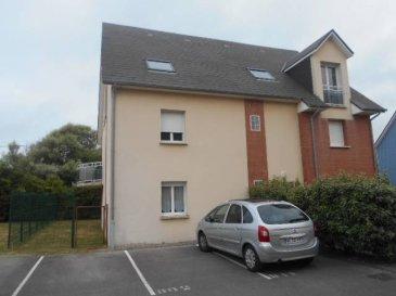 REF 5593  Dans une Résidence moderne à proximité de la plage un appartement T2 de 52.61 m² avec un balcon de 9.31 m² comprenant: Entrée, séjour avec balcon, cuisine équipée, salle de bains avec wc, une chambre, une place de parking  DPE E GES C   Réf: 5593