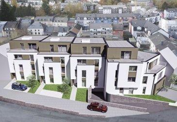 Penthouse B3 sur deux niveaux. Penthouse d'une surface de +ou- 200m2 sur deux niveaux. L'accès au penthouse se fait directement par l'ascenseur. Le penthouse est situé au premier et deuxième étage de la résidence avec quatres terrasses de +ou- 16.45m2, 11.35m2, 13.29m2 et 15.25m2.  L'appartement dispose de trois chambres à coucher de 14.72m2, de 14.45m2, et de 18.78m2, un dressing, un bureau de 12.58m2, une salle de bains, une salle de douche, deux Wc séparés, un débarras, plusieurs emplacements pour placer des armoires et une cave privative.  Vous pourrez acquérir un emplacement intérieur au prix de 30.000,00€ ou un emplacement extérieur au prix de 15.000,00€.  Le projet comprend 6 nouvelles résidences à toitures plates de style contemporain dans une rue calme et sans issue dans la ville de Tétange.  Les 6 résidences regroupent 16 logements en tout.  4 Résidences ont chacune 2 appartements et 1 penthouse sur deux niveaux par bâtiment, le sous-sol est commun aux 4 bâtiments. Les 4 résidences comprennent 24 emplacements intérieurs et 2 emplacements extérieurs.  Les 2 autres bâtiments ont 2 duplex chacun avec un sous-sol séparé pour les deux bâtiments qui disposent de 4 caves et de 4 emplacements intérieurs doubles. Les 4 duplex auront des entrées complètement séparés comme dans une maison.  Chaque appartement dispose d'une cave privé. Les appartements sont spacieux et lumineux disposant de 2 à 4 chambres à coucher avec une voir 2 terrasses par appartements.  Les appartements situés au rez - de - chaussée dispose d'un jardin privé.  Chaque détail a été ici pensé afin de proposer aux futurs occupants un confort de vie optimal. Des équipements et matériaux haut de gamme sélectionnés avec le plus grand soin, des espaces extérieurs comme des terrasses et jardins privés pour les appartements au rez-de-chaussée et des terrasses avec une vue dégagée pour les biens aux étages supérieurs .