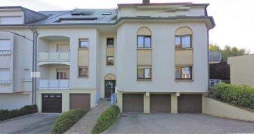 **Quartier résidentiel de Lallange  **<br><br>Bel appartement de 87,50 m² avec 2 chambres à coucher, balcon et garage fermé situé dans une résidence soignée.  <br>(adresse: 2 rue Edouard Fellens L-4118 Esch-sur-Alzette  Lallange)<br><br><br>Le bien se compose comme suit:<br>========================<br>Hall d\'entrée (5.30 m²), WC séparé (2.00 m²)<br>Séjour (28,50 m²) avec accès balcon avant  (4,50 m²)<br>Cuisine équipée séparée (6,80 m²)<br>SDB entièrement équipée avec WC suspendu (5,80 m²)<br>Débarras avec raccord m.à.laver (3,00 m²)<br>1. Chambre donnant sur l\'arrière (12,20 m²)<br>2. Chambre (m²) donnant sur l\'arrière  (13,70 m²)<br>Garage privative (16,15 m²) avec cave attenante (3,45 m²)<br>Buanderie commune <br><br>Equipements divers :<br>===============<br>Double vitrage, Volets roulant, Connexion Internet<br>chauffage centrale à Gaz, <br><br>Idéalement situé car à 10 minutes de la clinique CHEM, à proximité des Lycées et Ecoles primaires, de tous les commerces et de l\'autoroute A4. <br><br>