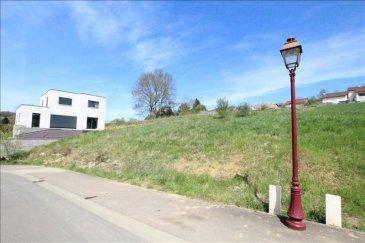 Haute kontz : terrain à bâtir de 13,36 ares avec une façade 23 m&period;<br />Vendu viabilisé&period;<br />Proximité immédiate de l\'axe routier Thionville - Mondorff les Bains&period;
