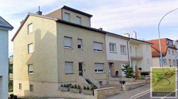 App. - Duplex à Soleuvre avec garage   2 empl. voiture extérieur, jardin, balcon, ..., le bien convient parfaitement pour deux familles (app. bi-familiale) avec compteur séparé, surface habitable d'environ 187.71m2,   Le bien se compose comme suit : Au 1er étage (complètement rénové, d'une surface 92.65m2) : - Hall d'entrée - Living avec salle à manger - Une cuisine équipée avec accès - balcon de  /- 15m2 - une salle à manger ouverte sur le living - 3 chambres à coucher - une salle de bain   Au 2ème étage d'une surface de 95.06m2: - Hall d'entrée - Living  - Cuisine équipée - Salle à manger - 2 chambres à coucher - Salle de bain  Au sous-sol : - 3 caves - 1 garage (possible d'agrandir pour 2voit.) - 2 emplacements - jardin privatif   Pour tout complément d'information, n'hésitez pas à nous contactez par téléphone au 28 77 88 22. Nous sommes également disponibles pour organiser les visites le samedi !  Nous sommes, en permanence, à la recherche de nouveaux biens à vendre (des appartements, des maisons et des terrains à bâtir) pour nos clients acquéreurs. N'hésitez pas à nous contacter si vous souhaitez vendre ou échanger votre bien, nous vous ferons une estimation gratuitement.  Ref agence :143