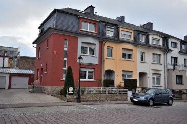 BELARDIMMO vous propose à la vente une maison libre de 3 côtés, avec 4 chambres à coucher, à Luxembourg-Howald.<br><br>La maison se compose ainsi :<br><br>RDC:<br><br>- Hall d\'entrée<br>- cuisine équipée séparée<br>- salon et salle à manger<br>- véranda (23m²) avec accès garage et jardin<br><br>1er étage :<br><br>- 2 chambres à coucher (14,5m² + 10,8m²)<br>- salle de douche avec WC et double vasque<br><br>2ème étage <br>- 1 chambre à coucher (14,5m² )<br>- 1 chambre à coucher avec salle de douche privative et <br>   mezzanine<br><br>En sous-sol vous avez une buanderie (avec une cabine de douche), une cave avec cheminée et chaufferie avec espace pour pendre le linge.<br><br>La maison est complétée par un garage fermé, l\'emplacement pour trois voitures, jardin à l\'avant et à l\'arrière ainsi qu\'un abri de jardin.<br>La véranda de 23m² est un des atouts du bien. <br>  <br>La maison est en très bonne état, saine et elle se situe proche des écoles, des moyens de transport, des commerces et autres besoins.<br>Le revêtements de sol des chambres est en parquet; le reste de la maison est en carrelage. <br><br>Pour toutes informations complémentaires veuillez contacter Monsieur Belardi au +352 621367853.    <br> <br><br><br /><br />BELARDIMMO offers you for sale a house, detached on 3 sides, with 4 bedrooms, in Luxembourg-Howald.<br><br>The house is composed as follows:<br><br>Ground floor:<br><br>- Entrance hall<br>- separate fitted kitchen<br>- living room and dining room<br>- veranda (23m²) with garage and garden access<br><br>1st floor :<br><br>- 2 bedrooms (14.5m² + 10.8m²)<br>- shower room with WC and double sink<br><br>2nd Floor<br><br>- 1 bedroom (14.5m²)<br>- 1 bedroom with private shower room and<br>   mezzanine<br><br>In the basement you have a laundry room (with a shower cabin), a cellar with fireplace and boiler room with space to hang the laundry.<br><br>The house is completed by a closed garage, the site for three cars, garden to the front and to the rear a