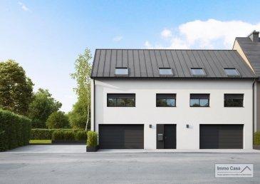 Nouvelle résidence à 4 unités à Nospelt ImmoCasa vous propose en exclusivité une nouvelle résidence de 4 unités au centre de Nospelt  La résidence comprend 4 appartements de 54.40 à 100,97m2. 4 Parkings intérieurs au prix de 25.000eur. (En supplément) 4 parkings extérieurs au prix de 15.000eur. (En supplément) 4 Caves inclues dans le prix de vente. Local vélos/poussettes en commun.  Ici vous trouvez l\'Appartement/Duplex au premier étage côté gauche de 92,40m2 habitables. Vous disposez de 3 chambres, d\'un hall d\'entrée, living lumineux salle de bains/douche, cuisine ouverte non fournie, chambre de 12m2/9.5m2. Spacieuse terrasse de 26m2, accès direct au rez-de-chaussée dans laquelle vous trouvez une pièce de 23m2 pouvant servir de 3ème chambre à coucher ou bureau avec dressing ou autre suivant vous besoins.  Ce projet est une Rénovation/Modification. Nouvelle électricité.  Nouvelle chauffage. Nouvelle Toiture.  Nouvelles dalles, etc. Matériaux de haut qualité au choix pour les finissions. Pour plus d\'informations et pour les plans, n\'hésitez pas à nous contacter.  N\'hésitez pas à nous contacter pour vendre votre bien. Nos estimations sont gratuites.  Nous recherchons en permanence pour la vente et pour la location des appartements, maisons, terrains à bâtir et projets autorisés pour clientèle existante. Achat éventuel par notre société.    Ref agence : 1906580