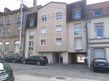 3 PIÈCES en DUPLEX .  AUDUN LE TICHE : Proche Frontière Luxembourgeoise et toutes commodités.<br> Situé au 3èmes et dernier étage, agréable appartement F3, de 59.35m, en DUPLEX, se composant de la façon suivante : au premier niveau, une spacieuse entrée vous accueille, un bel espace de vie avec cuisine ouverte sur salon, le tout formant une surface de 23 m2, un WC; L\'espace nuit à l\'étage supérieur, présente un dégagement desservant deux chambres, et une salle de bains avec WC.<br> Appartement fonctionnel d\'une surface au sol de 68 m2.<br> PRIX : 159 000 EUR<br> AGENCE VENNER METZ  03 87 63 66 38 // 07 87 01 95 93<br><br><br><br>