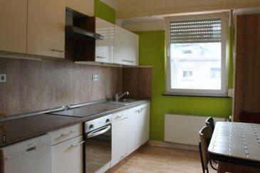 RE/MAX spécialiste de l immobilier à Esch Sur Alzette vous propose cet appartement meublé situé au second étage d'une petite résidence de quatre unités dans une rue calme. Il se compose d'une cuisine équipée - un séjour - une grande chambre et une salle de douche avec WC. Contact: Frédéric LIGUTTI 691 120 289 frederic.ligutti@remax.lu Ref agence :5095935