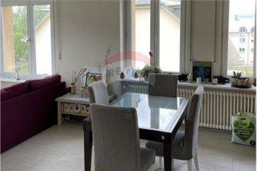 Veuillez contacter Jean-Claude Brunet pour de plus amples informations : - T : +352 661 101 776 - E : jean-claude.brunet@remax.lu  RE/MAX, Spécialiste de l'immobilier à Luxembourg, vous propose, à la location, à Luxembourg-Bonnevoie, un appartement de +/- 98 m², dans une résidence de 5 unités, au 3ème étage avec ascenseur.  Il se compose d'une grande entrée avec placard, d'un séjour lumineux (25,60 m²), d'une cuisine (7,60 m²) entièrement équipée avec accès balcon, de 3 chambres (13,90 m², 14,60 m², 11,80 m²), d'une salle d'eau avec WC, d'un WC séparé avec lavabo, de carrelage au sol, de fenêtres PVC double-vitrage et de volets à sangles.   Au sous-sol, un garage individuel intérieur, deux places de stationnement à l'extérieur, une cave privative, une buanderie commune. L'appartement dispose de la fibre, chauffage au gaz.  Disponible à partir du 1er août 2021.  Loyer : 2000 € / mois Charges : 240 € / mois Caution : 4000 €  Frais d'agence à la charge du locataire : 125 % du loyer + TVA 17 %