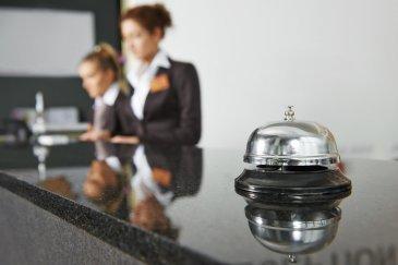 Secteur THIONVILLE, fonds de commerce d\'un hôtel bureaux (41 chambres) idéalement situé. Il possède un bar avec licence 4 ainsi qu\'un très bel appartement de fonction de 110m2, une salle de restauration pour les petits-déjeuner. Le taux d\'occupation est proche de 90%, très bon invstissement, une affaire à saisir,  Prix FAI: 1 684 000€ Loyer annuel: 64 000€ ht/hc  Contact: E.GURER 06.28.42.65.84 Cabinet Immogest PROCOMM