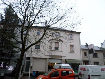 LUXPROIMMO vous propose à la vente un Immeuble de rapport idéalement situé à Esch/Alzette, d'une surface total de 991m².  Cette surface est divisée comme suit: Rez-de-chaussée: magasin et bureau : 58,40m² + bureaux : 77,60m² + entrepôt rdc et 1e étage : 666,70m²;  1e étage: appartement de 86,97m²; 2e étage : appartement de 102,28m² + terrasse de 45,60m².  Surface de la parcelle de terrain : 5a80ca.  L'immeuble est actuellement loué en totalité.