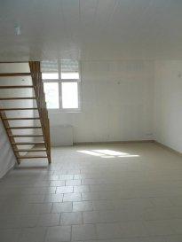 Réf: 5736  Appartement de 66 m² en rez-de-chaussée (pas de voisin au dessus) secteur Berck Plage Nord sans extérieur:  Entrée, grand séjour avec coin cuisine non équipée, salle de bains et wc. A l\'étage: Mezzanine / chambre et 1 chambre.  Possibilité de louer le parking pour 10 € par mois.  Loyer: 580 € Charges: 40 € (eau et edf en plus)   1 mois de caution + frais d\'agence: 696 €  Libre   Réf: 5736