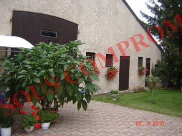 GRANDE MAISON METZ SUD.  SOUS COMPROMIS..............SOUS COMPROMIS..................!!!!!!!!!!!!!!! <br> EN EXCLUSIVITE _ METZ SUD : VERNY - POMMERIEUX - POMMERIEUX GARE ; grande maison lorraine (ancienne fermette) avec grand terrain de 20 ares; elle se compose d\'une habitation de 5 pièces avec entrée, bureau, salon salle à manger , cuisine meublée, et salle de bains;<br> A l\'étage, trois chambres et grenier.<br> Nombreuses annexes d\'environ 200m2 avec une grande grange pouvant accueillir plusieurs véhicules, atelier et dépendances brutes pouvant être aménagées selon vos besoins.<br> Aux abords un grand jardin clos sans vis à vis vous attend... Commerces et écoles à proximité<br> AGENCE VENNER IMMOBILIER 03 87 63 60 09