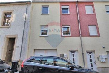 Maison de Rapport à vendre avec 2 appartements   RE/MAX, spécialiste de l'immobilier sur Luxembourg propose une maison de rapport en vente sur 3 étages se situant à Luxembourg et qui se compose comme suit :   R.d.c. : Hall d'entrée, garage, caves. 1er étage : 2 appartements de 56 m² avec balcon.   2ème étage et 3ème étage : Duplex avec 3 chambres, cuisine équipée, balcon.  Extérieur : jardin, terrasse.
