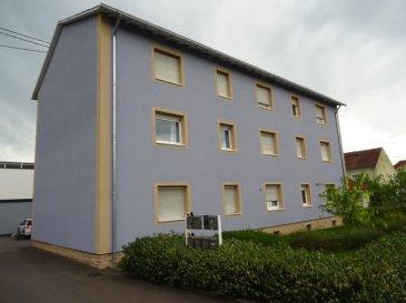 Renditeobjekt !!  Wir bieten Ihnen einen Block von 3 Eigentumswohnungen   ( 2 à ca 72m2 und  1 à ca 60m2 ) in einem gepflegten  6 Parteien Haus in Nennig, unweit der Luxemburger Grenze zu Remich. Diese sind bereits vermietet. Die Wohnungen bestehen aus je 2 Schlafzimmern und einem Wohn/Esszimmer, jeweils  mit grossen Fenstern, was den Appartements ein helles und freundliches Aussehen beschert. Die Badezimmer sind ebenfalls neuwertig und mit Dusche ausgestattet. Zu jedem Appartement gehört ein Stellplatz , der sich hinter dem Haus befindet.  Die gesamte Residenz präsentiert sich in einem guten Zustand. Diese 3 Wohnungen verfügen über Stimmmajorität im Haus. Der Preis versteht sich zzgl Maklerprovision