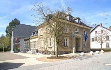 !!!!!!!!!!!! 2 Maisons Jumelées/ Occasion à ne pas rater !!!!!!!!!<br><br>Immo Nordstrooss à l\'honneur de vous presenter ces 2 Anciennes maisons à rénover de +/- 140m2 au centre de Boulaide à +/-15 min de Wiltz, à +/-25 min d\'Ettelbruck.<br><br>Ces deux biens se composent comme suit:<br><br>- 1 grand living/ salle à manger 30 m2 avec cheminée.<br>- 2 Petits Livings<br>- 1 Grande  Cuisine séparé non équipée <br>- 1 Cuisine équipée <br>- 2 Salles de bain avec WC Séparé<br>- 1 WC<br>- Grand grenier aménageable <br><br>  Emplacements 2 voitures et Jardin viennent completer ce bien. <br>TITRE D\'INFO!!!!<br>Chauffage au gaz refait en 2011.<br><br>Pour plus de renseignements ou une visite (visites également possibles le samedi sur rdv), veuillez contacter le 661 791 504.