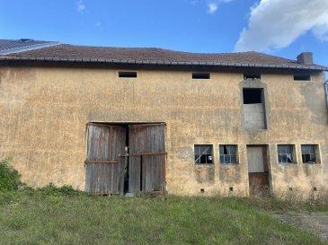 L'agence Belardimmo vous propose en exclusivité une ferme à rénover de  /- 270m² totale situé à La croix Saint François (10km de bouzonville) sur un terrain de 9 ares.  Pour plus d'informations contactez Mr Palmucci au  352 691 105 887 Ref agence : PJ001