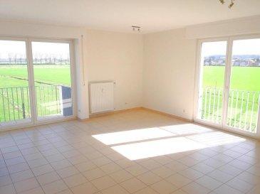 Penthouse dans une résidence sise à Bivange dans la commune de Roeser. L\'appartement se compose comme suit: A l\'entrée se trouve un hall spacieux avec des armoires encastrées et un débarras en dessous de l\'escalier. Du séjour lumineux avec balcon on a une vue imprenable sur la vallée de l\'Alzette.   La cuisine équipée est séparé par une grande porte coulissante du séjour.  Sur le même niveau se trouve une chambre à coucher et une salle de douche.  Un étage au dessus se trouvent 2 belles chambres, dont une avec une mezzanine et la suite parentale avec un balcon. Entre les deux chambres se trouve une belle salle de bains avec deux lavabos.  A la même étage se trouve la buanderie commune et un grenier / cave.  A l\'arrière de l\'immeuble se trouve un garage fermé pour une voiture.  L\'appartement est situé à proximité des commerces, pharmacie, arrêt de bus, l\'autoroute.  N\'hésitez pas et contactez-nous pour visiter ce bien au numéro 661 70 10 70   Ref agence : ICL 861454