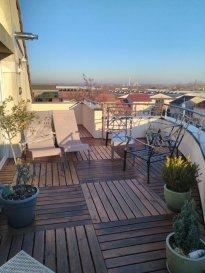En exclusivité chez AGORA:<br /><br />A woippy village, au calme dans une résidence de 2005, découvrez ce magnifique appartement situé au 3ème et dernier étage.<br /><br />D\'une surface habitable de 77m2 (environ 100m2 au sol), il vous offre une entrée, une cuisine entièrement équipée ouverte sur le séjour et donnant accès sur une superbe terrasse de 23m2. Cette terrasse, orientée plein sud, vous offre une magnifique vue sur le Mont Saint-Quentin, sur la cathédrale de Metz...<br /><br />L\'appartement propose également un côté nuit  avec 2 chambres, une sdb avec baignoire et un wc séparé.<br />Une chaufferie et un garage complètent ce bien.<br /><br />A saisir rapidement!<br /><br />Lot N°16 représentant les 217|1.000èmes des PCG.<br />Copropriété de 6 lots principaux.<br />Charges trimestrielles: 550 euros<br /><br />Honoraires charge vendeur<br />AGORA BRIEY 03 82 20 25 26