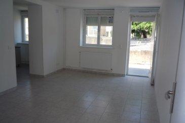 F4 3 CHAMBRES REFAIT A NEUF POSS. GGE ET CAVE. ALGRANGE û Dans une maison de 2 appartements au 2ème étage F4 avec 3 chambres 140 m²  proposant un séjour de 22 m²  ouvrant sur 1 terrasse offrant 1 exposition sud de 18 m², 1 cuisine équipée de 12 m²,   3 chambres 13, 10 et 10 m², 1 sdb 14 m², 2 wc, 1 cabinet de toilette rattaché à la chambre parentale,   état neuf en cours de rénovation, Chauffage individuel gaz, Dv pvc,   possibilité garage et cave, situé dans une rue au calme proche d'un parking à 120 000 €  A propos de la copropriété : Charges mensuelles 10 € - 6 Lots dont 2 appartements    DPE : D   Honoraires compris 5.41 % TTC.  Agora Thionville : 03 82 54 77 77