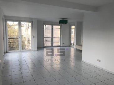 A.S. Real Estate vous propose un lumineux appartement situé au premier étage d'une petite copropriété de 3 logements dans un quartier résidentiel à Luxembourg-Cents.  Celui-ci se compose d'un grand hall d'entrée de +/- 10.50m², d'une cuisine séparée et entièrement équipée de +/- 8m², d'un double living de +/- 40m² avec accès à un balcon de +/-23m² et d'un second de +/- 2.69m², de deux chambres de +/- 20.50m² et +/- 14m², d'une salle de bain équipée d'une cabine de douche, d'une baignoire et d'un w.c, d'un débarras et d'un w.c séparé.  Ce bien est complété d'une grande cave de +/- 12m, d'un garage fermé avec porte motorisée et d'un emplacement de parking extérieur.  Pour de plus amples informations ou pour convenir d'une visite, n'hésitez pas à nous contacter au (+352) 621 274 674 ou au (+352) 2776 4776.