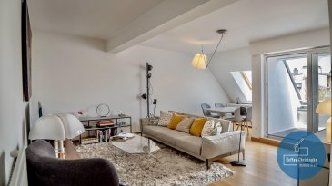 Ce bien vous est proposé en exclusivité, en collaboration avec l\'agence Urban Livin Real Estate et la Bourse immobilière.<br><br>Coup de coeur garanti : https://youtu.be/LHq64RLP3OY<br><br>Nous vous proposons ce superbe appartement dans une résidence en copropriété très bien entretenue au 6 Rue du Fort Wallis à Luxembourg-ville.<br><br>Ce bien immobilier exceptionnel avec une surface de 75m2 se trouve au 5ème étage et se compose comme suit:<br><br>- hall d?entrée avec ses armoires encastrés<br>- WC séparé<br>- une cuisine séparée entièrement équipée avec des meubles et électroménagers haut de gamme<br>- un grand salon / séjour avec accès au balcon (orientation est)<br>- une salle de bains avec son coin buanderie<br>- une belle chambre à coucher avec ses armoires encastrées et son accès au deuxième balcon (orientation ouest)<br><br>La cave individuelle et l?emplacement privatif se trouvent au sous-sol.<br><br>Prestations de qualité: revêtements des sols au parquet, armoires encastrés, volets électriques, porte de sécurité, vidéo-parlophone etc.<br><br>L?appartement se trouve dans un état impeccable -  pas de travaux à prévoir. <br><br>Ce bien constitue entre autre, de par sa situation géographique, un excellent investissement. <br><br>Pour l?obtention de votre financement, nos relations avec nos partenaires financiers vous permettront d?avoir les meilleures conditions du marché. N?hésitez pas de nous en parler, ces démarches sont totalement gratuites.<br><br>Disponibilité: à convenir<br><br>Pour plus d?informations veuillez nous contacter :<br><br>JURCA Ioana - Tel.: +352 661 820 685 Email: Ioana.Jurca@urbanlivin.lu<br><br>PETURSDOTTIR Sigrun - Tel.: +352 621 193 533 Email: Sigrun.Petursdottir@urbanlivin.lu<br /><br />Ce bien vous est proposé en exclusivité, en collaboration avec l\'agence Urban Livin Real Estate et la Bourse immobilière.<br><br><br /><br />Ce bien vous est proposé en exclusivité, en collaboration avec l\'agence Urban Livin Real Estate et la Bourse 