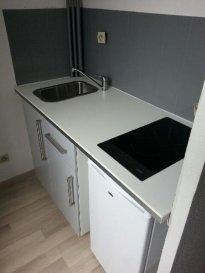 Au centre de Montigny les Metz a louer  studio de 21 m² avec kitchenette équipée,1 pièce de vie,salle de bain Baignoire--ascenseur interphone charges 35€ Pour tout renseignement ou visite contact 06 85 13 13 57