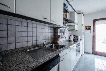 REMAX, spécialiste de l'immobilier au Luxembourg, vous propose à DUDELANGE, en exclusivité, cette maison mitoyenne de plus au moins 120m2 habitables.  Le r-d-c est composé d'une entrée carrelée donnant sur le séjour / salle à manger de plus de 25m2, vous y découvrirez ensuite la cuisine de 9m2 donnant accès vers une cour de 23 m2 à l'arrière de la maison avec son abri comprenant une cuisine d'été de 6m2. Du hall d'entrée, un escalier en bois mène à un 1er étage comprenant son hall de nuit menant à 2 chambres (9m2 et 17m2) et la salle de bain complètement rénovée comprenant WC, vasque et baignoire moderne. Au 2ème étage les combles ont été aménagés en grande chambre à coucher spacieuse de plus de 20m2  Au sous-sol vous découvrirez une salle de douche avec son WC, une pièce servant de buanderie/cave de plus de 12m2 ainsi qu'un grand garage de plus de 21m2 et une petite pièce séparée pouvant servir de cave à vin de 3m2. Quelques petits travaux de remise au gout du jour sont à prévoir. Le passeport énergétique est en cours. Proche école primaire, lycée, crèche, piscine et centre ville de Dudelange. Ligne de bus à 150m. Veuillez contacter:Natacha OMBRI  GSM 661 34 99 34 Email   natacha.ombri@remax.lu Ref agence :5095853