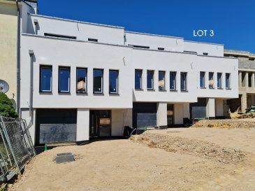 Belle maison à Tétange, d'une architecture contemporaine érigée sur un terrain de 5.34 ares aux finitions luxueuses d'une surface totale de 224.765m2, dont une surface habitable net de 184.12m2.  Elle se compose en rez-de-chaussée : -d'un hall d'accueil (+/-8.12.m2),  -couloir (+/-8.44m2),  -bureau/buanderie ou cave (17.71m2)  -avec accès au jardin privative, cave/buanderie (5.13),  -chaufferie (+/-4.44m2) et  -une garage avec deux emplacements intérieurs (40.64m2).  Au premier étage :  -living spacieux et lumineux, salle à manger et une cuisine ouverte (total +/-60m2),  -un bureau (+/-9.9m2),  -couloir (+/-5.15m2)  Au deuxième et dernier étage :  -chambre parental (+/-14m2) avec salle de douche et accès au terrasse (+/-11.25m2) -deux chambres (11.18 + 11.18m2) avec accès au terrasse  -salle de bain (7.56m2) -couloir (3.10m2)  Caractéristiques: chauffage au sol, panneaux solaires, ventilation double flux, triple vitrage, volets électriques, revêtements de sols et sanitaire au choix du client.  N'hésitez pas à nous contacter pour tout complément d'information.  E-Mail: info@fn-promotion.lu GSM: +352 621 139 988