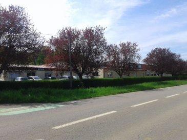 A vendre  Havange 57650 Bâtiment de 1131 m2 sur 72 ares. Idéalement situé  sur les axes  Thionville-Metz- Longwy- Luxembourg, bâtiment industriel de 2000, composé de 811m² d\'atelier, 320m² de bureaux, 280m² de zone de stockage et parkings.<br>Les bureaux bénéficient d\'une entrée indépendante.<br>L\'atelier dispose de : réfectoire, toilettes et douches<br>Sur un terrain de 72 ares permettant le stationnement.<br>Les locaux sont actuellement loués 6900eurosTTC  le bail courant jusqu\'à décembre 2016.<br>Dpe en cours<br><br>Honoraires d\'agence à la charge du vendeur<br><br>Peggy Brunet : 06 83 55 51 42<br>