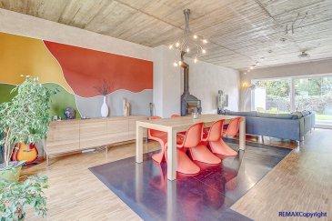 Mélanie Menazli, RE/MAX Partners, spécialiste de l\'immobilier à MAMER, vous propose en exclusivité une splendide maison moderne dans un quartier calme d\'une surface habitable de 200m2 pour 326 utiles.<br><br>Cette maison jumelée possède 6 chambres et se compose comme suit :  <br><br>Au Rez de chaussée :<br>Un hall d\'entrée<br>Un spacieux living d\'environ 50m² avec baie vitrée donnant sur le jardin <br>Une cuisine ouverte et équipée<br>Toilettes séparées<br><br>Au premier étage :<br>Une suite parentale avec dressing et salle de douche avec toilettes. <br>Deux chambres lumineuses  <br><br>Au deuxième étage :<br>Deux chambres communicantes avec accès à un balcon. (Pouvant être transformées en une grande chambre)  <br>Une chambre d\'amis<br>Une salle de bain avec toilettes.<br><br>Vous trouverez également un vaste sous-sol se divisant en plusieurs pièces à aménager selon vos besoins (buanderie, rangements, salle de jeux etc)   <br><br>Un double garage ainsi qu\'une terrasse et jardin complètent ce bien.<br><br>Idéalement située, matériaux de qualité, maison design et fonctionnelle.  <br><br>Rare sur le marché ! N\'attendez pas pour visiter !<br><br>Disponibilité rapide.<br><br>Contactez Mélanie Menazli au +352 621 785 132 / melanie.menazli@remax.lu<br><br />Ref agence :5095739