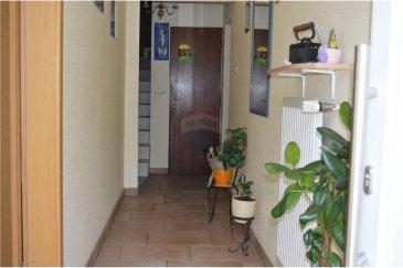 Veuillez contacter notre agent Cristina Ferreira pour de plus amples informations au 621 50 45 29 ou par e-mail : cristina.ferreira@remax.lu.  RE/MAX Luxembourg vous propose cette grande maison en vente à Dudelange. La maison a une surface habitable de + - 158 m² sur un terrain de 5,28 ares. Elle se compose comme suit :   - Rez-de-chaussée : cuisine équipée fermée, salle à manger, salon, WC séparé et une salle de douche, ainsi qu'une buanderie et une pièce servant de réserve et le local technique. Dispose aussi d´un accès à la terrasse et au jardin.   - 1er étage : vous trouvez quatre chambres à coucher, dont deux suites parentales.  Équipements : chauffage au gaz 2010, fenêtres double vitrage. Toiture isolée en très bon état.   La maison ne dispose pas de garage, mais un grand parking public se trouve à proximité. Idéalement lié au réseau des transports publics. À quelques pas des centres commerciaux, du centre sportif, des écoles et des crèches.   //PORTUGUES//  RE/MAX Luxembourg oferece-lhe esta casa para venda em Dudelange. A casa tem uma área de +-158 m ² e um terreno de 5,28 ares. Ela é composta da seguinte forma:   -Rés-do-chão: cozinha totalmente equipada, sala de jantar, sala de estar e uma casa de banho, bem como uma lavandaria e uma peça que serve actualmente de arrecadaçao. Acesso ao terraço e ao jardim.   -1º andar: você encontra quatro quartos, dois deles suítes parentais.  Equipamento: Chaudiere de 2010 aquecimento a gás, vidros duplos. Telhado isolado em muito bom estado. A casa nao tem garagem, mas um grande parque de estacionamento publico encontra-se à sua disposicao perto da casa.   Idealmente ligado à rede de transportes públicos. A uma curta distância dos centros comerciais, do centro desportivo, das escolas e de uma creche.
