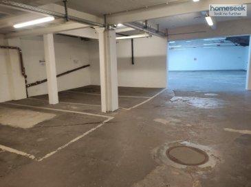 HOMESEEK Limpertsberg vous propose à la location une place de parking située au rez-de-chaussée de l\'immeuble. Accès très facile ! Localisation stratégique.<br>Bail de 6 mois renouvelables. <br><br>Plusieurs places disponibles !<br><br>Loyer mensuel : 250€ charges incluses<br>Caution : 1 mois de loyer<br>Disponibilité immédiate<br>Frais d\'agence : 1 mois de loyer + TVA à 17%<br><br>Veuillez contacter Patricia Bertino au 691 262 005 ou 621 366 194.<br>Référence agence : 4922519-HL-PB<br /><br />HOMESEEK Limpertsberg is delighted to offer you an inner parking space at the ground level of the building. Very easy access ! Strategic location.<br>Renewable 6-month lease.<br><br>Several spaces available !<br><br>Monthly rent : 250€ monthly expenses included <br>Deposit : 1 month rental<br>Immediate availability<br>Agency fee : 1 month rental + 17% VAT<br><br>For further information or viewing, please call Patricia Bertino at 691 262 005 or 621 366 194.<br>Agency reference : 4922519-HL-PB