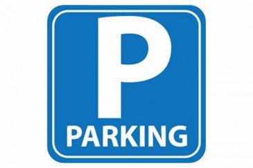 Place de parking. Sarreguemines, quartier de Neunkirch, Rue de Deux-ponts, votre agence \'Le Pied à Terre\' vous propose une place de parking non louée, située au sein de trois copropriétés, équipée d\'un sabot de parking, possibilité d\'acquérir plusieurs places.<br>Mandat N° 1329. Honoraires à la charge du vendeur.  Nos honoraires : http://www.le-pied-a-terre.fr/honoraires <br>