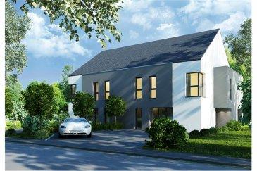 Maison jumelée 4 chambres (emplacement droit) RE/MAX spécialiste de l'immobilier à Useldange vous propose ce projet de construction de maisons jumelées, construites sur deux niveaux ainsi que des combles (aménageables).  Cette maison (située à droite) vous accueillera au rez-de-chaussée avec :  - un hall d'entrée - une chambre / un bureau (16,10 m²) - des WC séparés - un débarras - un espace vie (36,05 m²) avec une cuisine ouverte sur le salon et la salle à manger - une terrasse de 17,02 m²  A l'étage vous trouverez :  - un hall - 3 chambres à coucher (16,56 m², 16,10 m² et 25,58 m²) - un dressing - une salle de bain (avec WC) - une salle de douche (avec WC)  Deux emplacements extérieurs de parking viennent compléter ce bien.  Si vous souhaitez obtenir plus d'informations ou consulter le plan et/ou le cahier des charges, n'hésitez pas à nous contacter.  Le prix de vente indiqué inclut 3% de TVA